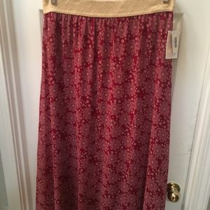 Lularoe Lucy XL cranberry background cream floral